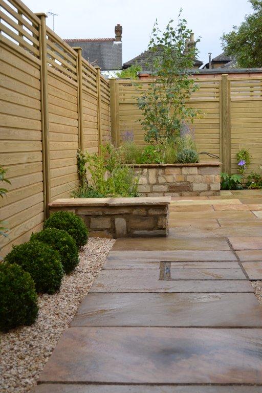 Classic contemporary courtyard garden design tm garden for Courtyard landscaping